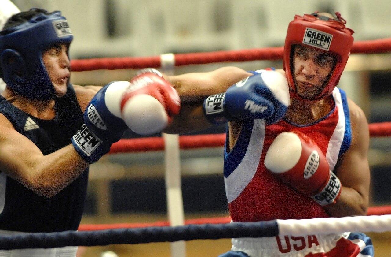 Ból i skurcze barków w sportach walki